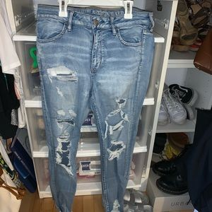 American eagle ripped light washed jeans